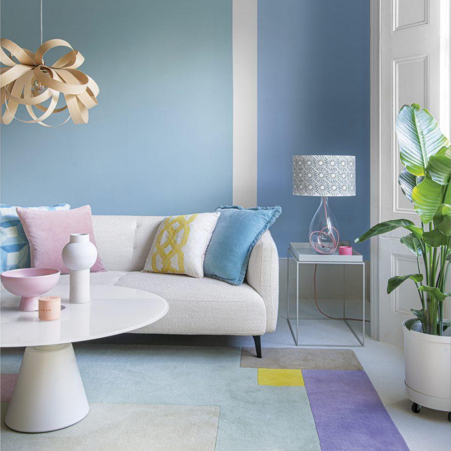 salon peint en bleu
